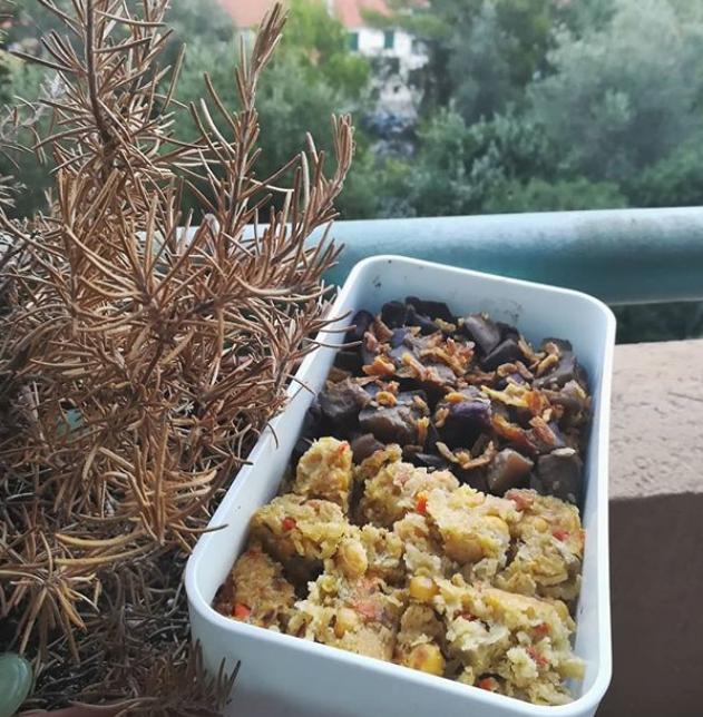 Bento : wok de légumes et galettes pois chiches cumin