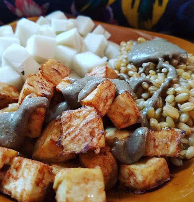 Tofu, radis noir et blé complet
