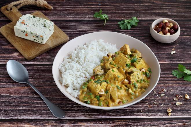 Curry de tofu épinard noisette aux légumes et lait de coco