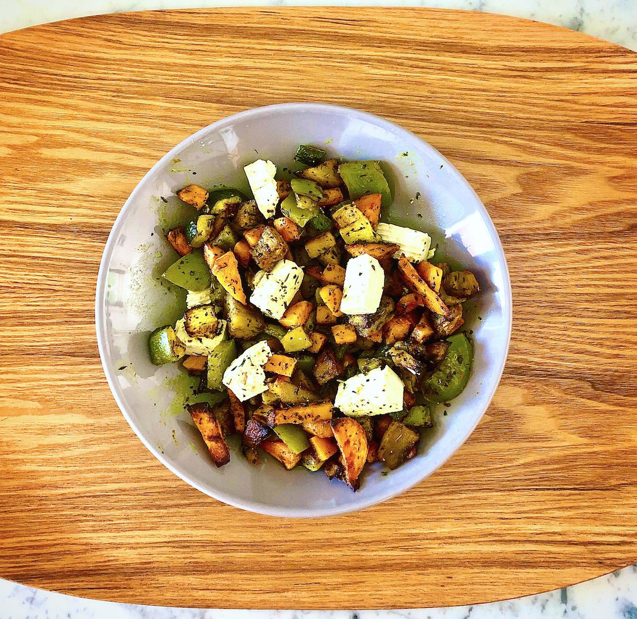 Légumes rôtis au four et tofu basilic