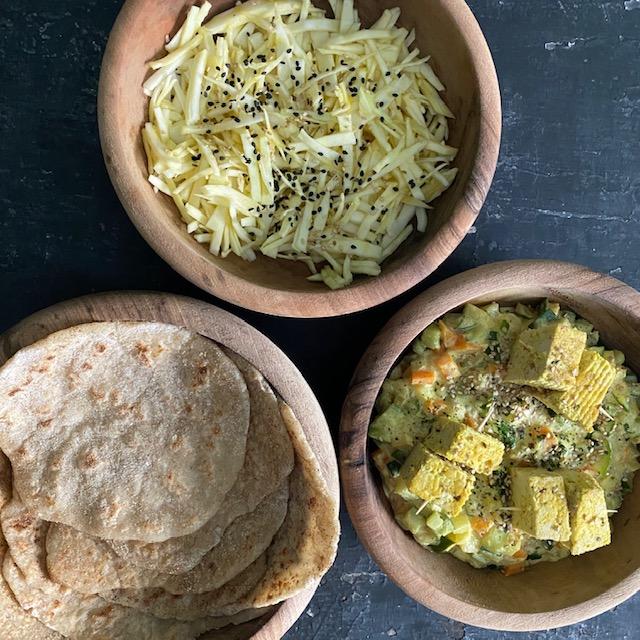 Nanns, curry de légumes et tofu indien