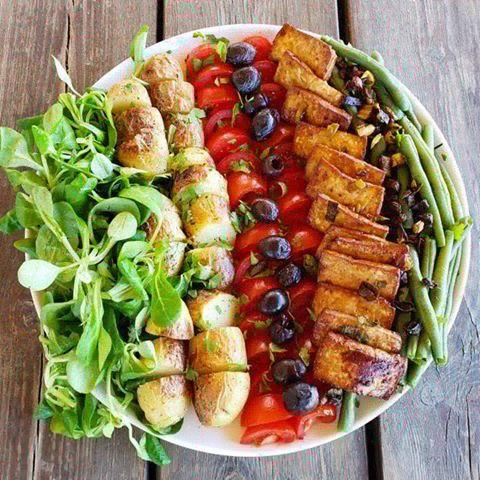 Salade niçoise au tofu fumé